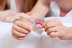 Come mettere il preservativo in modo eccitante
