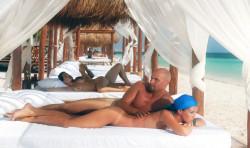 Spiagge e hotel per scambisti in cerca di vacanze sexy